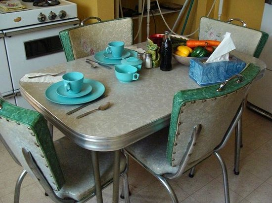 Dexter Parsonage Museum - Dr. Martin Luther King home: Kitchen Table