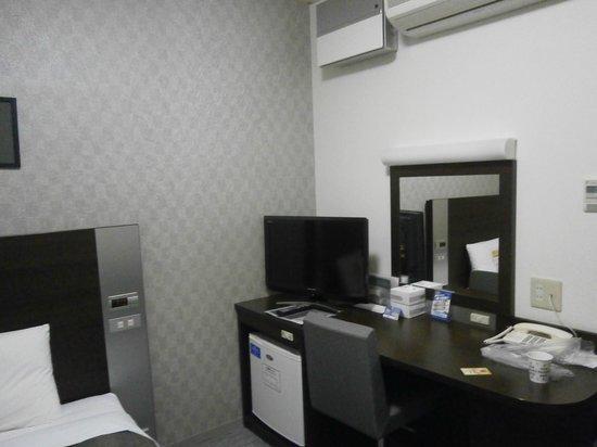 Comfort Hotel Tokyo Kiyosumi Shirakawa: デスクまわり
