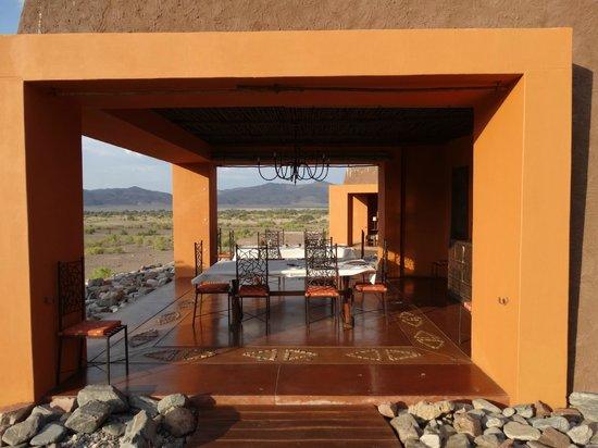 Okahirongo Elephant Lodge: The beautiful dining area