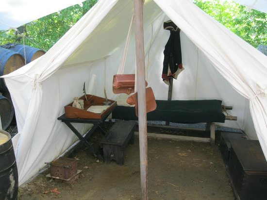 American Revolution Museum at Yorktown: an officer's tent