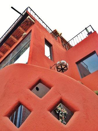 Casa Cinco Patios: Bella casa que atrapará tus deseos para hacerlos cumplir.