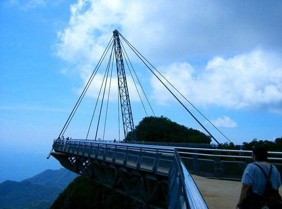 Langkawi Sky-Bridge: enjoying the view while you are on the bridge