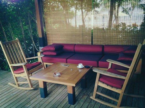 Tango Luxe Beach Villa: dining area
