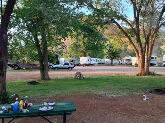 Crazy Horse RV Camp Park: Titel hinzufügen