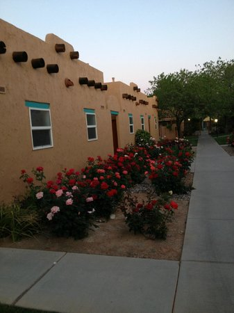 Green Valley Spa and Resort: ROSE GARDENS