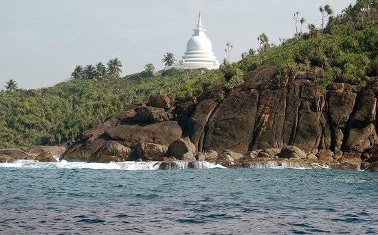 White Villa Guesthouse: Jungle Beach mit Peace Pagoda