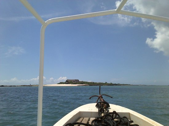 Lazy Lagoon: Approaching the island on boat