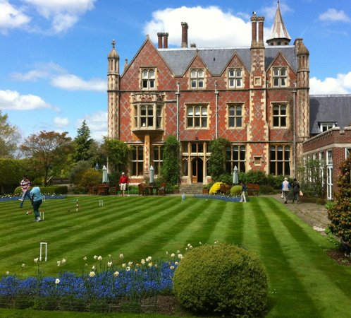 Horsted Place: Magnificent