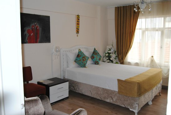 Falcon Apart Hotel: Falcon Apart 204 room
