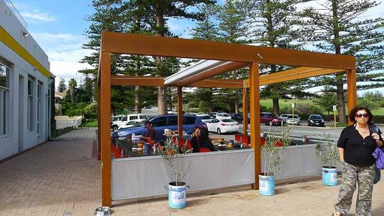 Il Lido: Outdoor eating area
