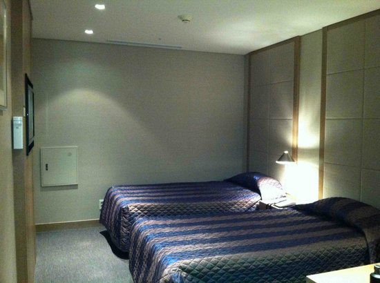 Incheon Airport Transit Hotel: Clean & Peaceful Bedroom
