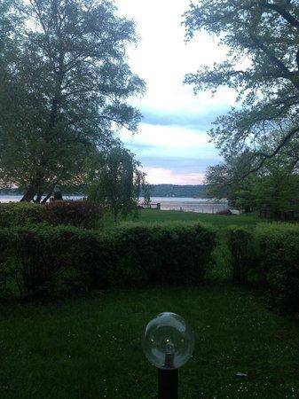 Strandhotel Dießen: Aussicht vom Zimmer auf den See!