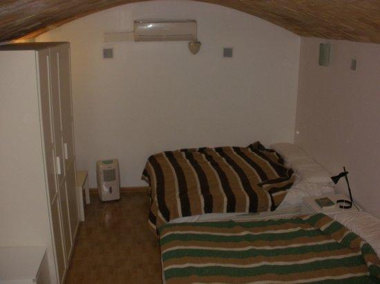 برسلونة سيتي أبارتمنت: Camera da letto