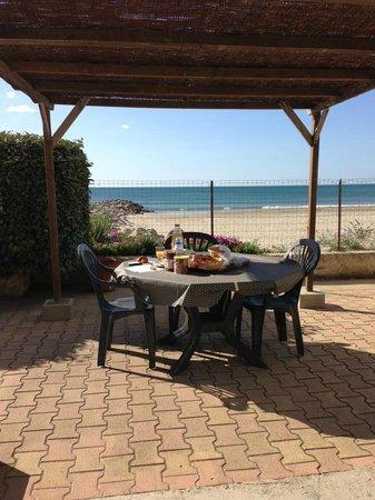 Cabane Pain de Sucre : Petit déjeuner face à la mer