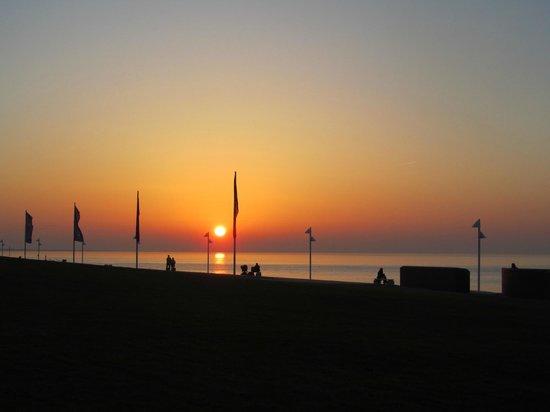 Strandhotel Georgshöhe: Sonnenuntergang vom Hotel aus
