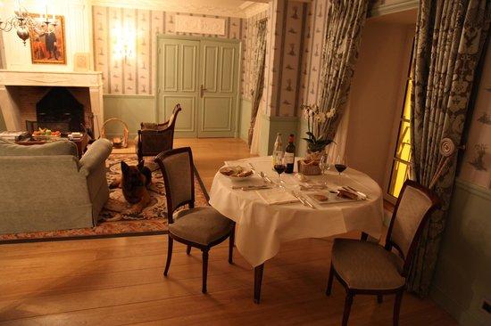 Hotel de Toiras : Service en Chambre pour Diner en tête à tête