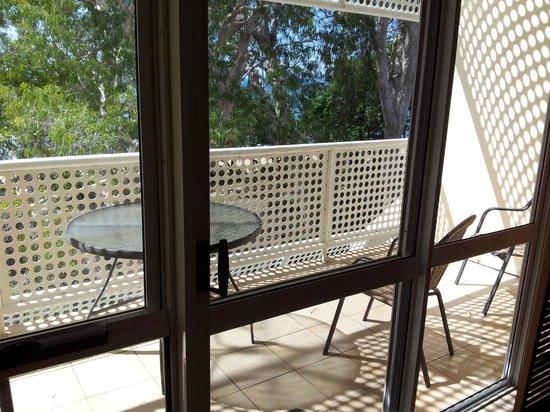 Marlin Waters Beachfront Apartments: Balcony