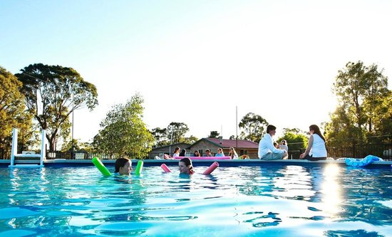Murray Gardens Motel & Cottages: Pool