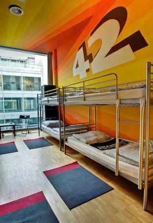 Heart of Gold Hostel: Zimmer