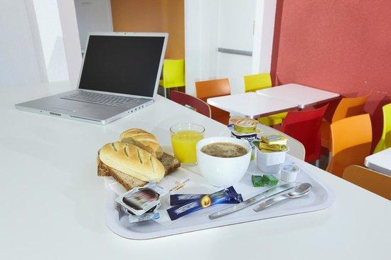 Première Classe Montreuil : Breakfast