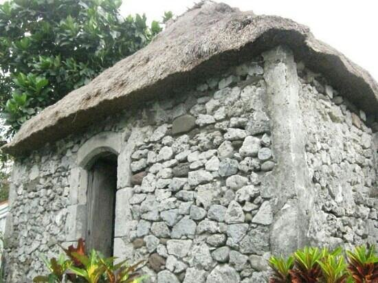 Batanes stone house foto de arma o dos b zios estado for A r salon hermosa beach