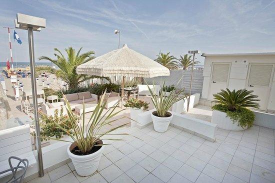 Chalet Spiaggia 75 Foto Di Hotel Bernard San Benedetto Del Tronto Tripadvisor