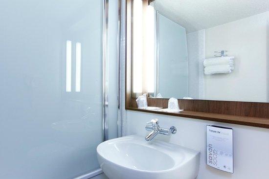 Campanile Toulouse Nord - L'Union : Bathroom
