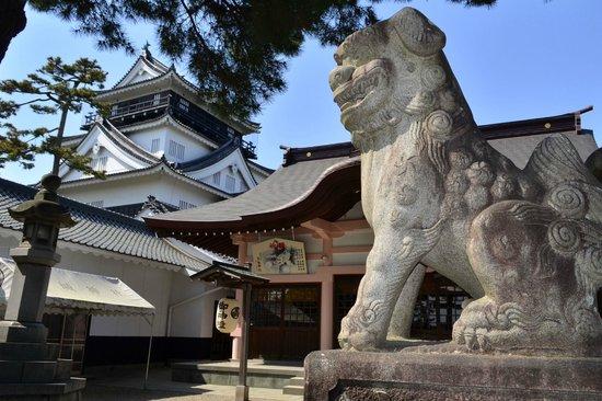 Tatsuki Shrine: 龍城神社と岡崎城