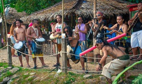 The Manic Monkey Crew: Tribal drummers!
