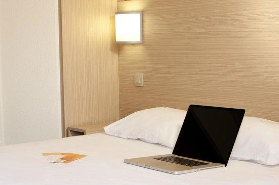 Premiere Classe Villepinte Parc Des Expositions: Bedroom