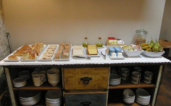 Hotel Rústico Teixoeira: Hotel Rural en Galicia en Rias Baixas Desayuno buffet