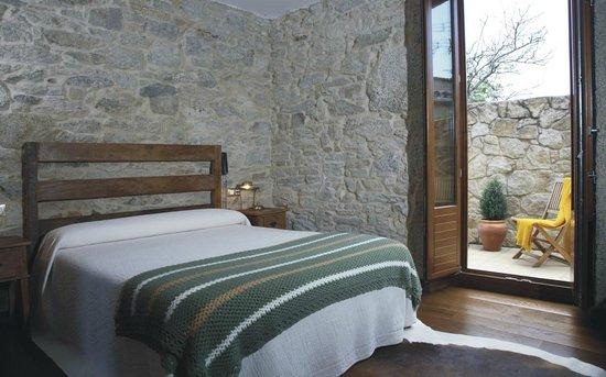 Hotel Rústico Teixoeira: Hotel Rural en Galicia en Rias Baixas Habitación con terraza