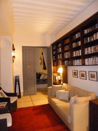 Riad Adore: Library