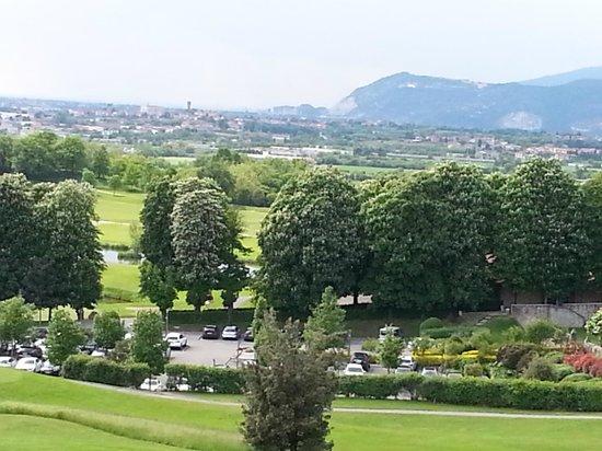 Palazzo Arzaga Hotel Spa & Golf Resort: Hotel views from the jogging circuit