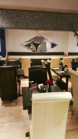 Blue Naan: Restaurant Seating