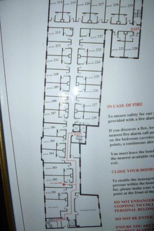 Gallaghers Hotel: Useful to gauge room sizes and location..on 2nd floor.