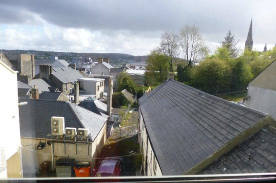 Gallaghers Hotel: The view