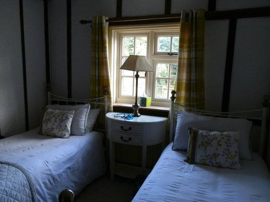 Woodleys Farmhouse Bed & Breakfast: Beautiful quaint room