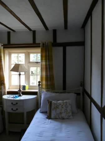 Woodleys Farmhouse Bed & Breakfast: Beautiful room