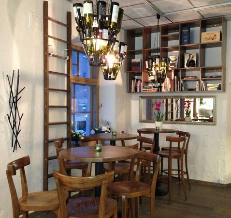 Wolkoff Wine & Beer Cellar: Lounge area of wine cellar/ wine bar
