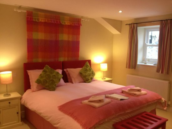 The Outbuildings: our cozy room