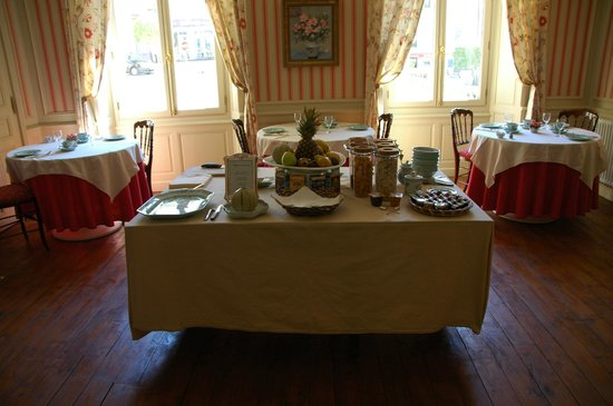 Les Cordeliers Bed and Breakfast : Breakfast Area