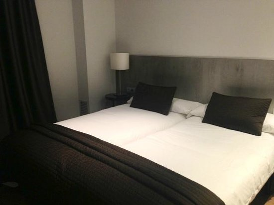 Sensation Sagrada Familia: Bedroom (soft and very comfortable)