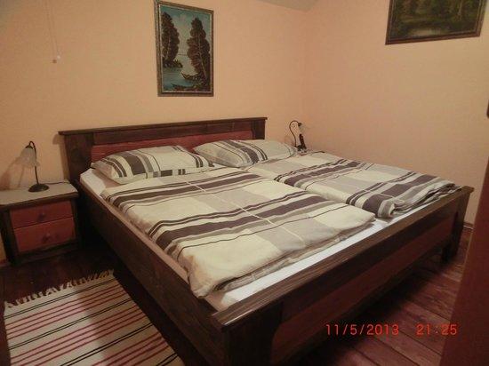Bastion Apartments: Спальня