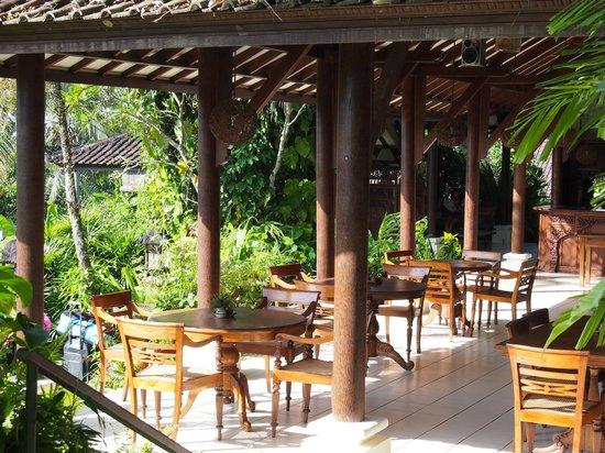 Alam Sari: Dining area