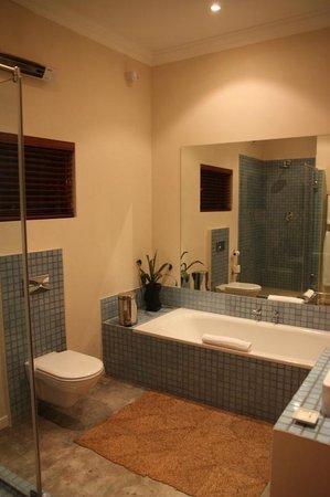 The Peech Boutique Hotel: La salle de bains