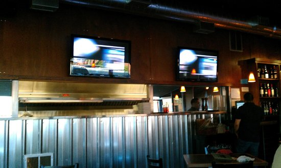 The Bridge Bar and Grill: Be sporty and watch the game.