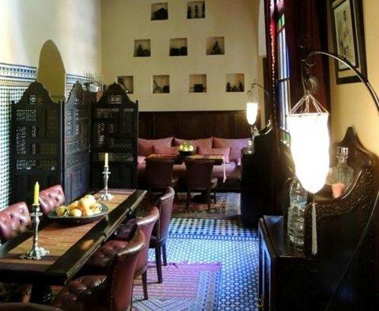 Riad Le Calife: La salle à manger intérieure