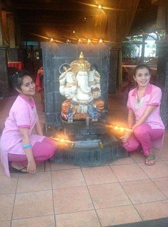 Indian Delites: Juli & Ketut & Ganesha