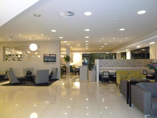 Sudima Auckland Airport Hotel: Lobby